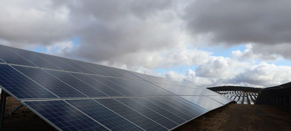 Pioneros una vez más, ahora en plantas solares