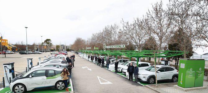 FITUR muestra con hechos que el turismo sostenible es real y en coche eléctrico