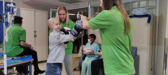 Las deportistas españolas, Reinas Magas con los niños del Hospital de La Paz
